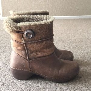 Dansko Shearling stormy leather boots